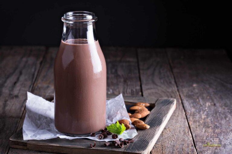 Σοκολατούχο γάλα αμυγδάλου