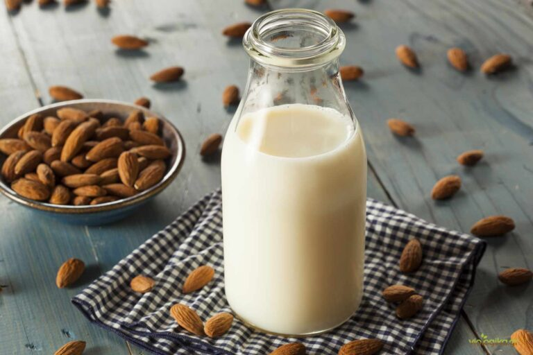 Βιολογικό γάλα αμυγδάλου